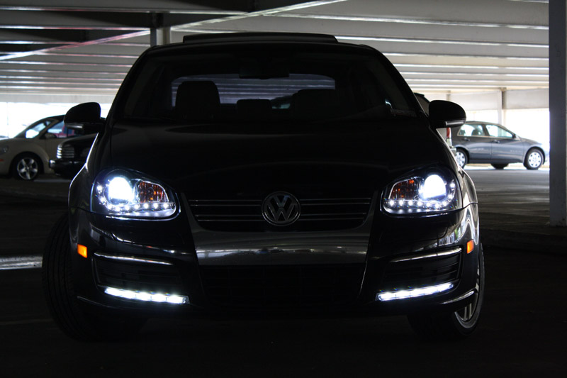 depo r8 drl led projector black headlight 05 10 vw jetta. Black Bedroom Furniture Sets. Home Design Ideas
